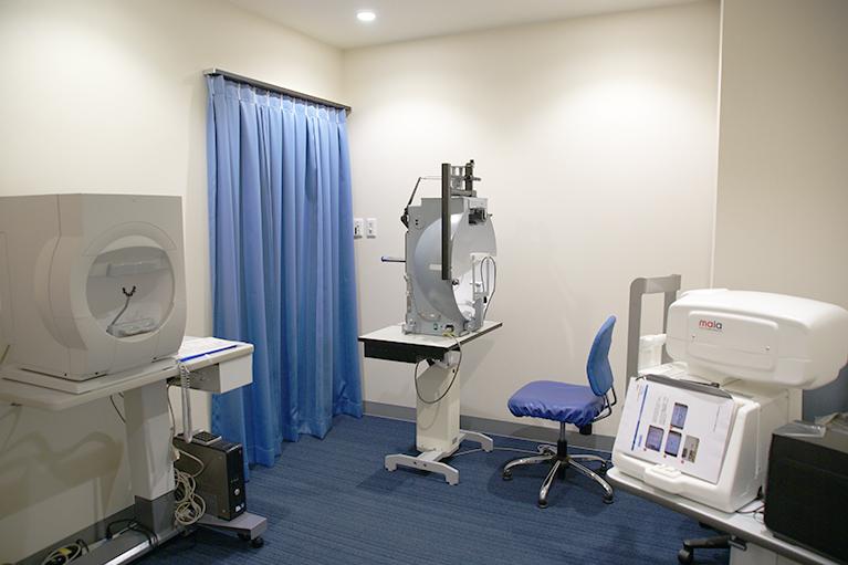視野検査室